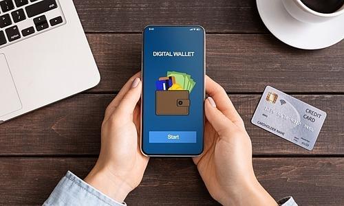 Sự cạnh tranh trên thị trường ví điện tử Việt Nam