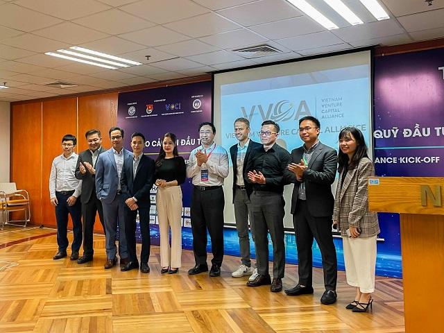 Đại diện các thành viên sáng lập của Liên minh Quỹ đầu tư Việt Nam. Ảnh: VVCA