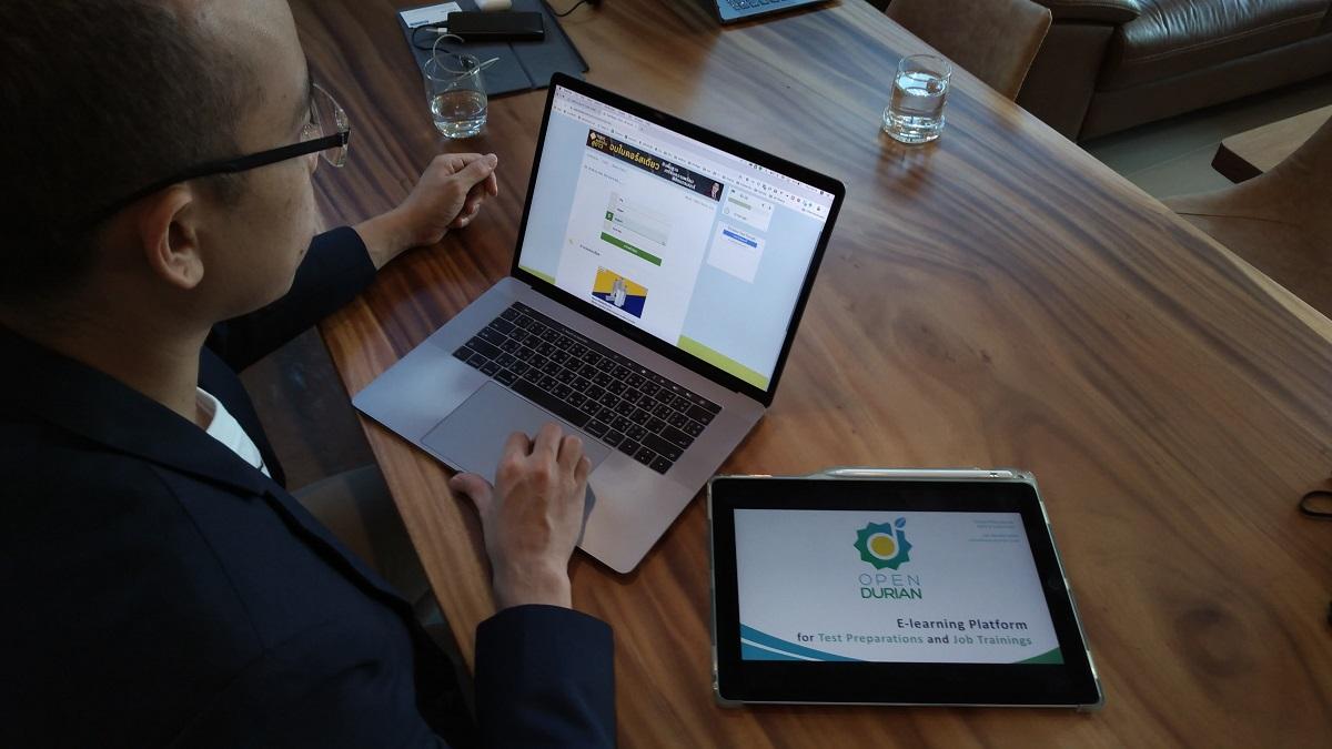 Người học sử dụng dụng ứng dụng của OpenDurianmong Thái Lan. Ảnh: Nikkei.