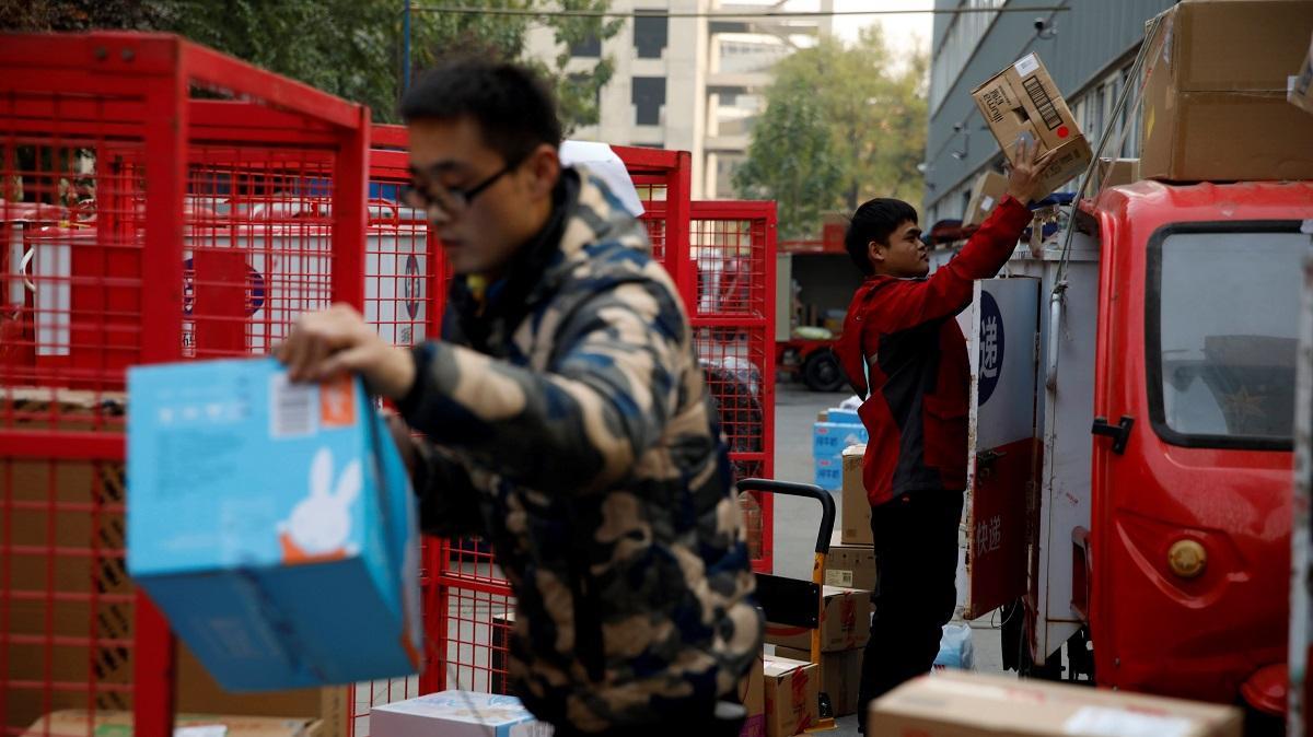 Nhu cầu vận chuyển đang tăng vọt ở Trung Quốc giữa các cá nhân và tập đoàn. © Reuters
