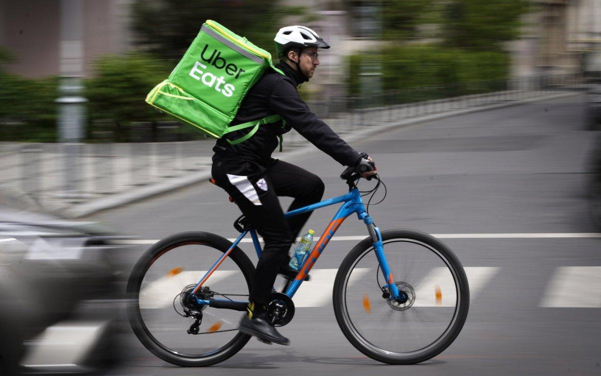 Giao đồ ăn là một trong những lĩnh vực mà Uber đang dồn sức đầu tư. Ảnh: The Spoon.