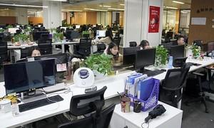 Giới trẻ Trung Quốc kiệt sực bởi trào lưu làm việc '996'