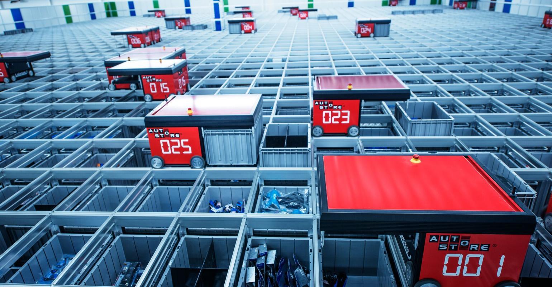 AutoStore sử dụng robot để tạo ra phương pháp lưu trữ hàng hóa tối ưu diện tích. Ảnh: AutoStore.