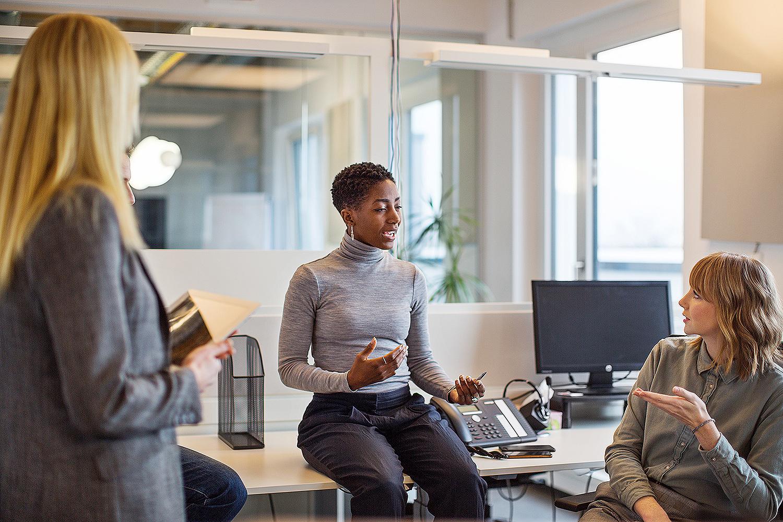 Phụ nữ và người da màu đang làm chủ nhiều doanh nghiệp tại Mỹ. Ảnh minh họa: People.