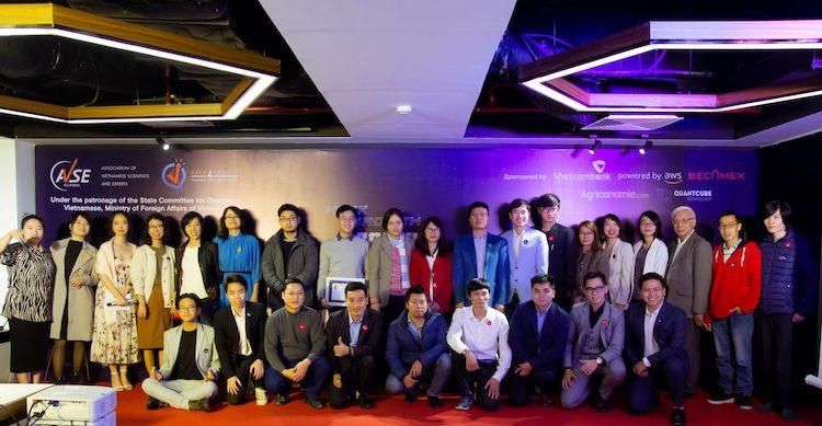 Những đội thi tham dự Hack4Growth mùa 1. Ảnh: AVSE Global.