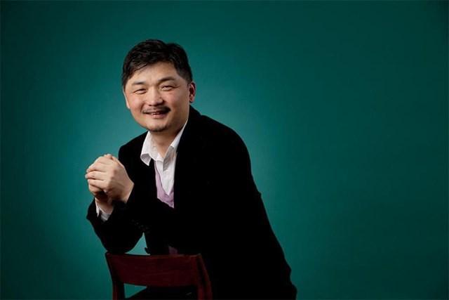 Ông chủ tập đoàn Kakao trở thành người giàu nhất Hàn Quốc. Ảnh: Forbes
