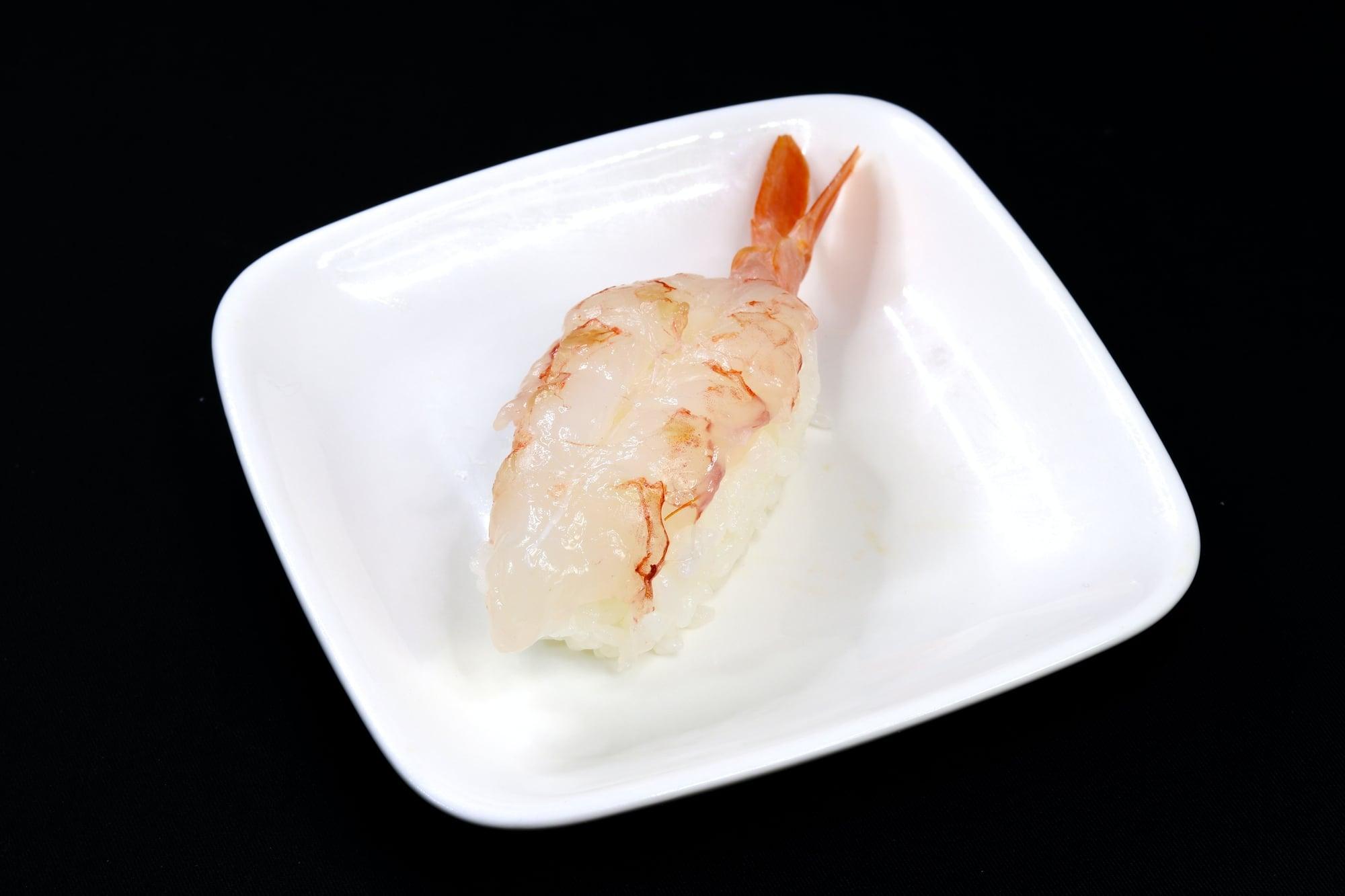 Miếng thịt tôm nuôi cấy trong phòng thí nghiệm của Shiok Meats. Ảnh: Shiok Meats.