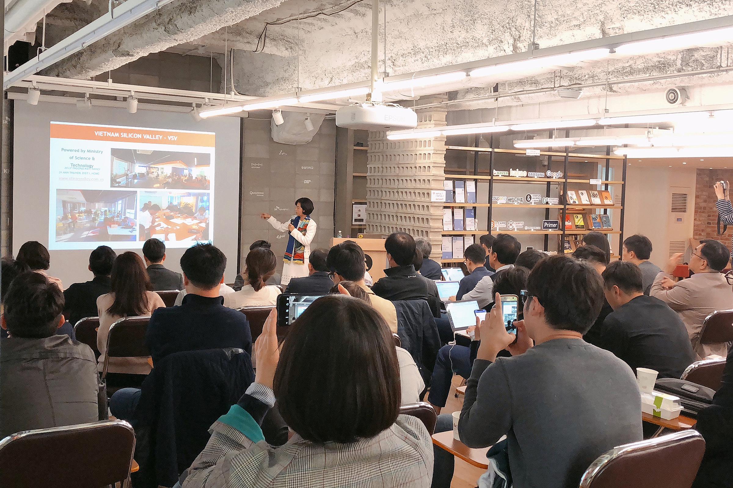 Các startup tham gia Accelerator Bootcamp.