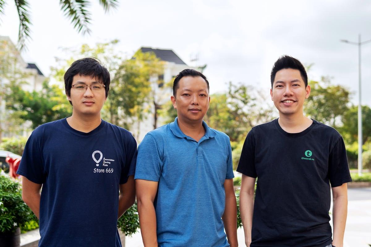 Ba đồng sáng lập BuyMed từ trái qua: Hoàng Nguyễn, Peter Nguyễn và Vương Đình Vũ. Ảnh: BuyMed.