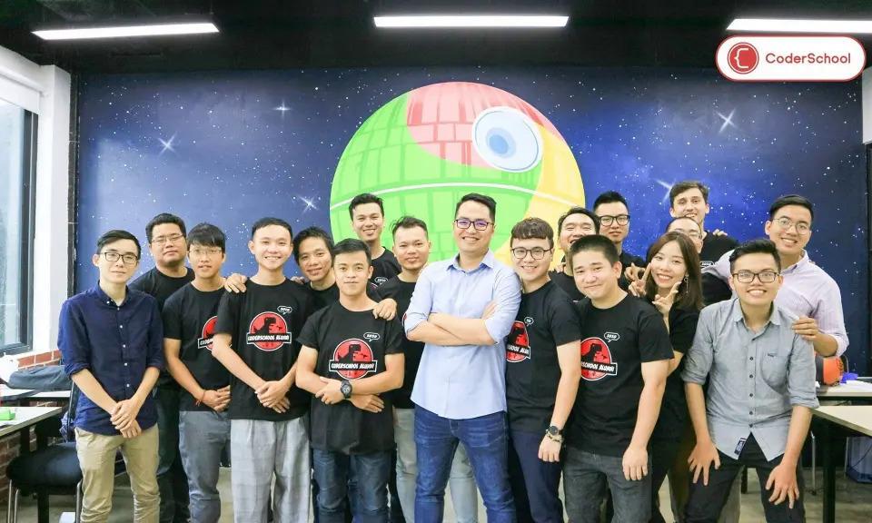 Đội ngũ startup CoderSchool. Ảnh: CoderSchool